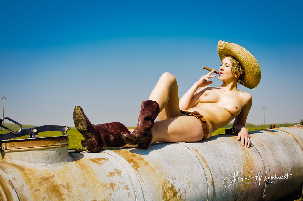 Even Cowgirls Gets The Blues